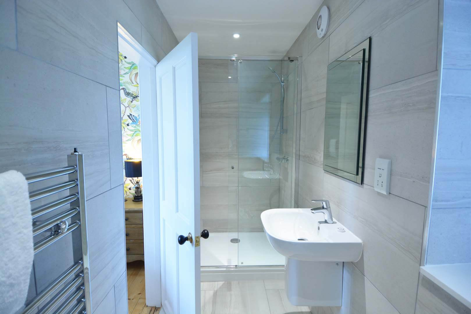 Refurb and Extension Traditional Cottage En-suite